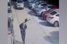 Kargaların saldırısına uğrayan adam