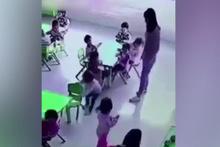 Acımasız öğretmen, ufacık çocuğun sandalyesini altından böyle çekti