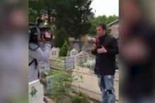 Mezarlıktan canlı yayın yapan muhabir hayatının şokunu yaşadı