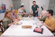 Yemekteyiz'de masanın hali Onur Büyüktopçu'yu şaşırttı! Bir bu eksikti