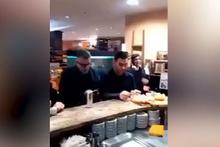Işık hızında tokat yiyen adam sosyal medyayı salladı