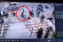Motosikletin gazına basınca saniyeler içinde dehşeti yaşadılar!