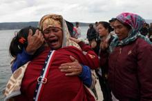 Endonezya'da içinde 128 yolcunun bulunduğu feribot battı