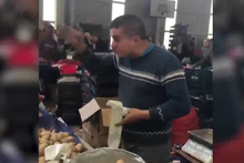 Pazarcının bu görüntüsü sosyal medyayı salladı