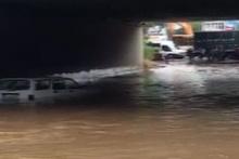 Araçlar mahsur kaldı yol kapatıldı! İstanbul'da korkunç manzara