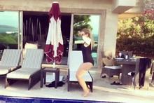 Selin Ciğerci'nin havuz videosu sosyal medyayı salladı!