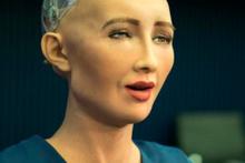 Robot 'Sophia'nın konuşacağı ikinci dil belli oldu