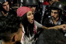 Arap ülkesi karıştı! Başbakan istifa etti