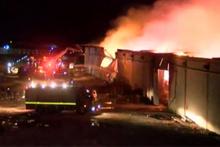 Şanlıurfa'da iplik fabrikası alev alev yandı