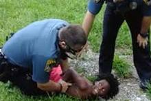 Polisin 10 yaşındaki çocuğa uyguladığı 'orantısız güç' dünyayı ayağa kaldırdı