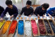 Çin malı deyip geçmeyin devasa bir iş gücünü görün!