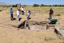 Selçuklu mezarlığında heyecanlandıran keşif