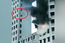 Gökdelendeki yangına müdahale eden itfaiye drone