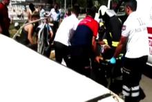 Denizli'de hafif ticari araç ile otomobil çarpıştı: 9 yaralı