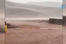 Suudi Arabistan'da şiddetli yağmur sele dönüştü