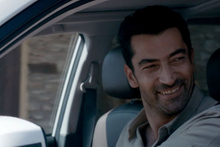 TOTAL'in yeni reklam yüzü Kenan İmirzalıoğlu