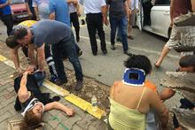 Taksi ile otomobil kafa kafaya çarpıştı: Çok sayıda yaralı var!