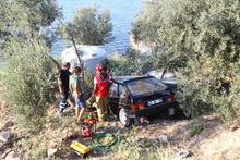 Alkollü sürücü zeytin ağaçlarının üstüne uçtu!