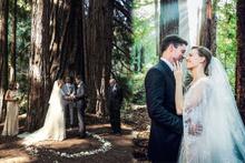 Hilary Swank evlendi güzelliği ve zerafetiyle törene damga vurdu!