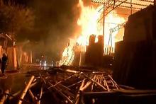 Şanlıurfa Oduncular Pazarı'nda büyük yangın