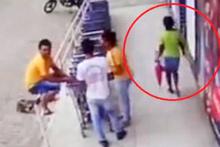 Yolda yürüyen kadın dehşeti yaşadı!