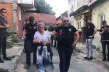 'Torbacı Nene' Beyoğlu'nda kıskıvrak yakalandı!