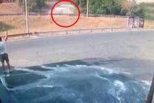 TEM Otoyolu'ndaki kaza anı böyle kaydedildi!