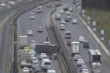 E-5'teki kaza İstanbul trafiğini kilitledi