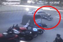 İstanbul'da motosikletlinin ölümden döndüğü an kamerada