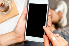 Akıllı telefon satışları hız kesmedi!