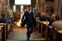 Unutkan damat koşarak düğünü terk etti