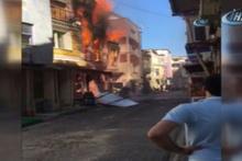 Fatih'te 3 katlı binada yangın
