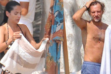 Mirgün Cabas kız arkadaşıyla plajda yakalandı
