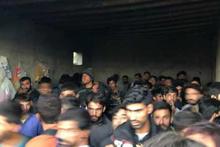 Evin garajında 244 kaçak göçmen yakalandı