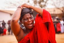 Dünyanın en hüzünlü mesleği! Ağlayarak para kazanan kadınlar