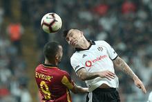 Beşiktaş'a Fenerbahçe maçı öncesi şok!