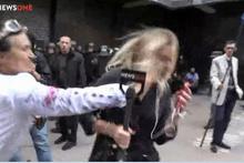 Canlı yayın sırasında muhabire resmen işkence ettiler