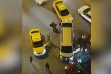 UBER-Taksici kavgası...Etrafını çevirip dehşeti yaşattılar!