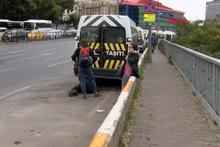 Beyoğlu'nda 'insanlık ölmemiş' dedirten görüntüler!