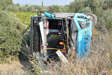 Otomobil ile halk otobüsü çarpıştı: Çok sayıda yaralı var!
