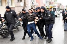 Polise çok direndi ama olanları engelleyemedi!
