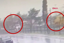 Görüntüler ortaya çıktı! İki tren böyle çarpışmış