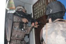 Terör örgütü HTŞ'ye şafak operasyonu! 300 polis katıldı