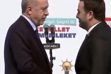 Erdoğan: Yasin senin niye bıyık yok?