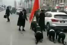 Kadın patron çalışanlarını böyle cezalandırdı! Ülke ayağa kalktı