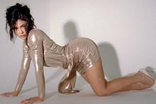 Kylie Jenner tacını geri istiyor