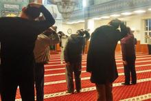 Hatay'da bir camide ilginç görüntüler! Cemaatten namaz sonrası spor