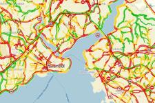İstanbul'da trafik yoğunluğu saç baş yoldurdu!