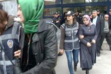 Başörtülü kadına kelepçe yazarları isyan ettirdi