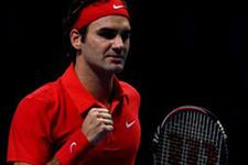 Federer yenilgisiz yarı finalde